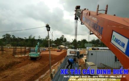 Cẩu vận chuyển sắt thép, vật liệu xây dựng tại Quảng Ngãi