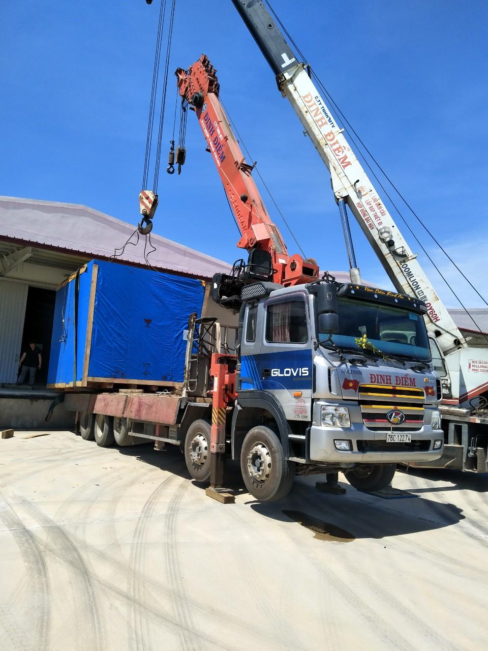 Dịch vụ xe cẩu bốc dỡ hàng hóa tại Quảng Ngãi